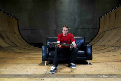 skateprinters-hawk-on-sofa-ramp